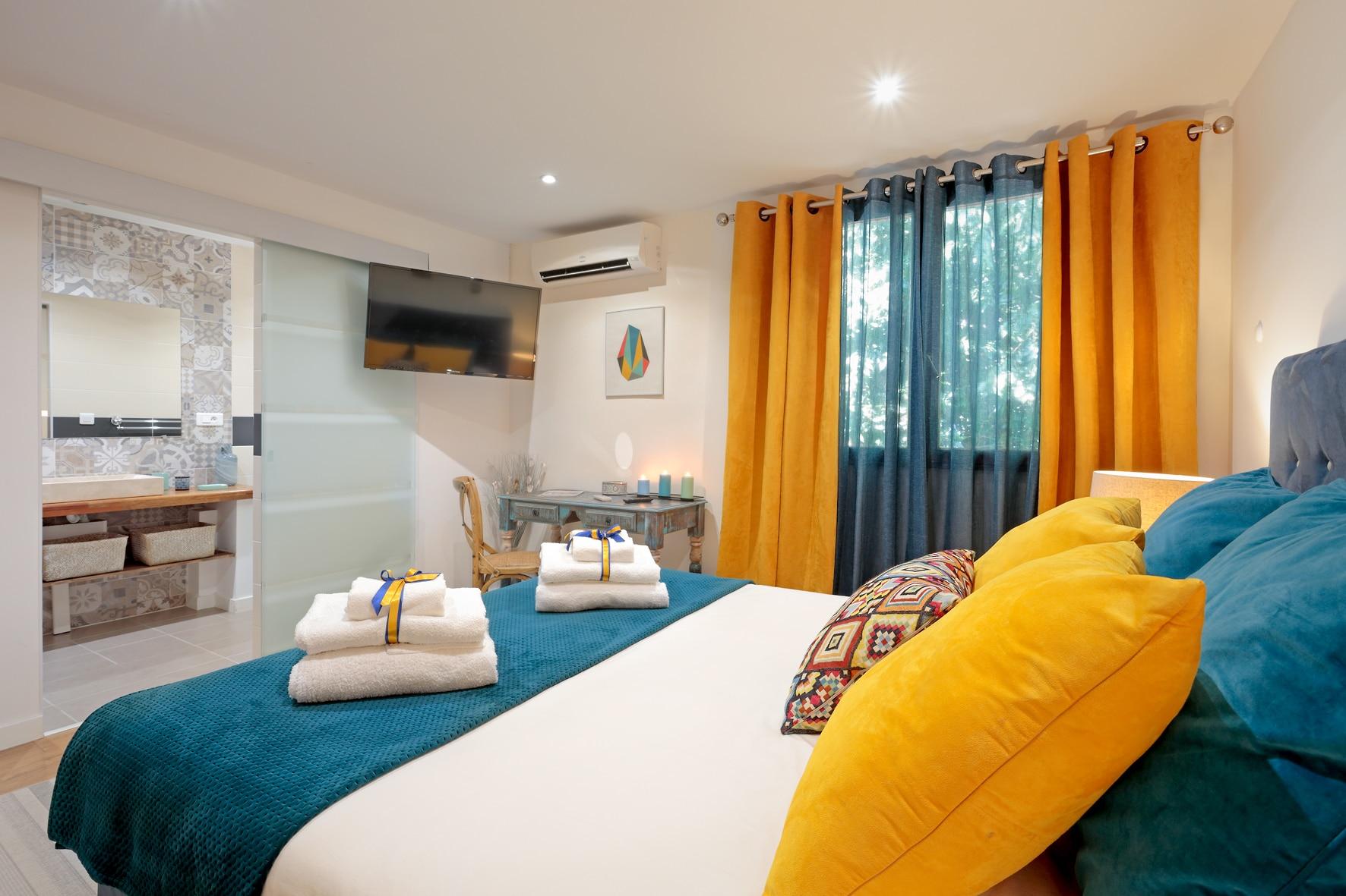 maison d h tes chambres d 39 h tes montpellier h rault villa des sens. Black Bedroom Furniture Sets. Home Design Ideas
